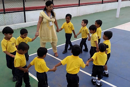 Play group to 1st standard school in Pune